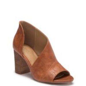 Catherine Malandrino Alio Dorsay shoes
